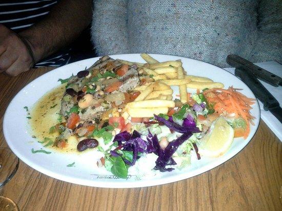 Desperados: Tuna steak... yum yum!