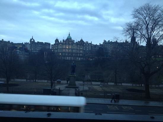 Mercure Edinburgh City - Princes Street Hotel: View for Breakfast