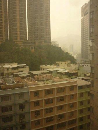 Mini Hotel Causeway Bay Hong Kong : вид из окна номера