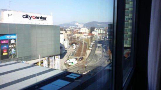 H+ Hotel Salzburg: ROOM VIEW