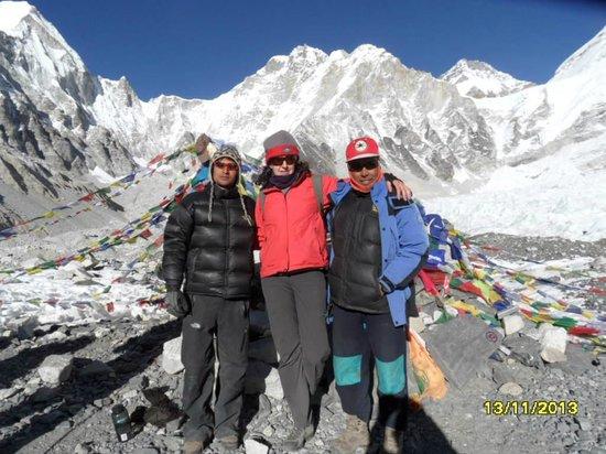 Himalayan Social Journey - Day Tours : Mt Everest Base Camp - Nov 2013