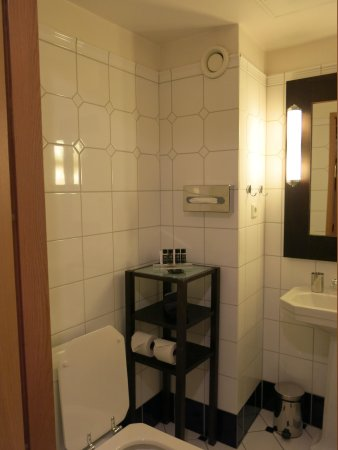 Hotel J : Bathroom