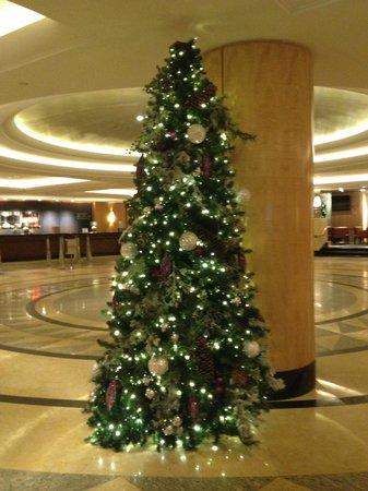 New York Hilton Midtown : Christmas Tree
