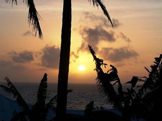 Hospedaje Los Escapados: watching the sunrise in bed