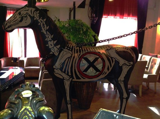 Mr. X -- Escape Room Game and Puzzle House : the mr. x horse !