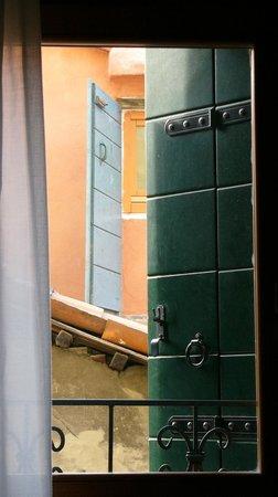 Hotel e Residenza San Maurizio: Вид из окна