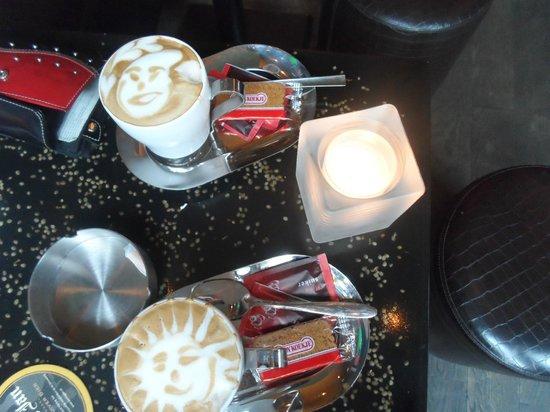 Barney's Coffeeshop: Les capucins maison du coffee