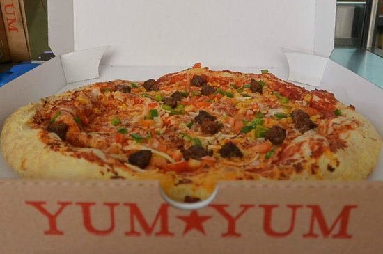 pizza tex mex picture of yum yum dakar tripadvisor. Black Bedroom Furniture Sets. Home Design Ideas