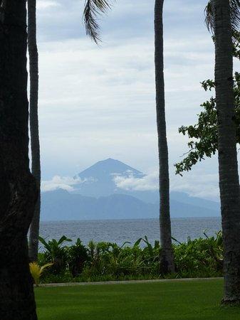 Kila Senggigi Beach Lombok: Uitzicht bali