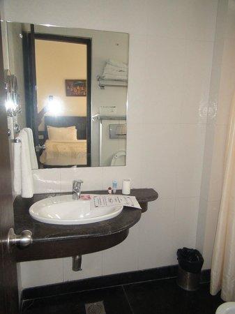 Hotel Aura Mumtaz Mahal: Wash