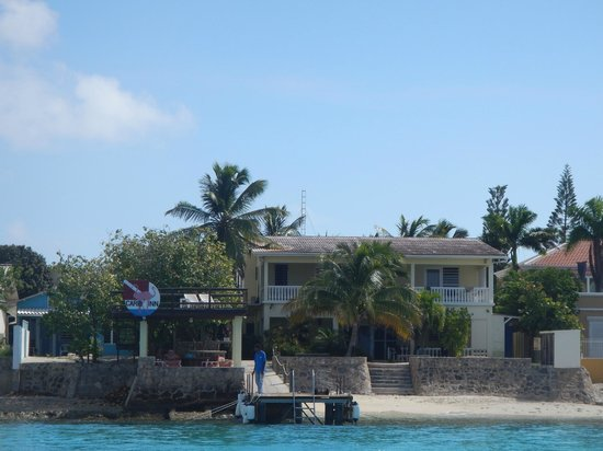 Bruce Bowker's Carib Inn: View from the dive boat