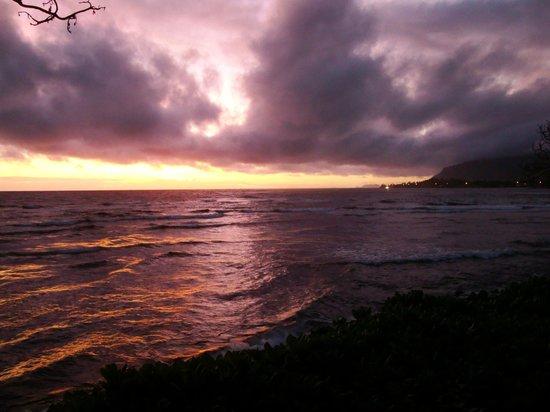 Hale Ko'olau : Sunrise
