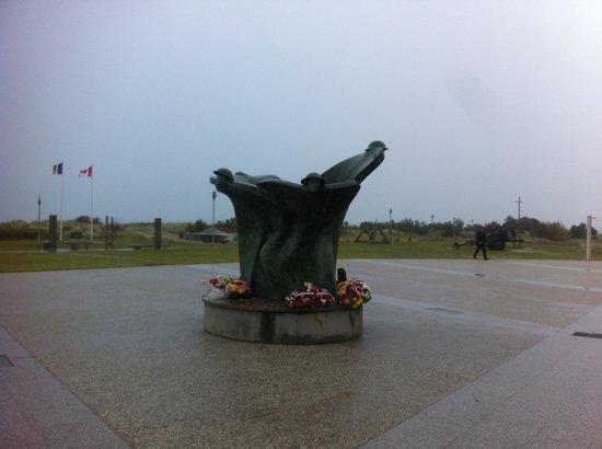 Centre Juno Beach : The Juno Beach memorial