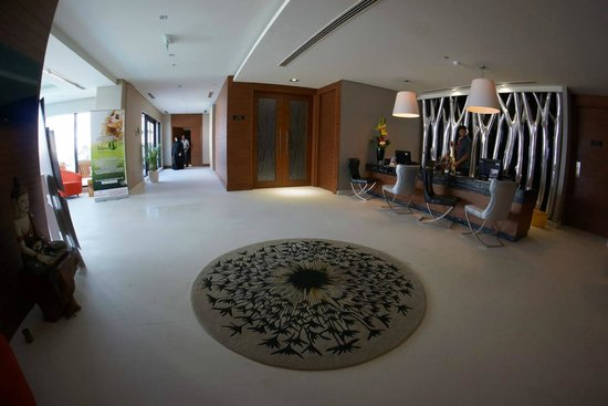 Ramee Grand Hotel & Spa: Spa Reception