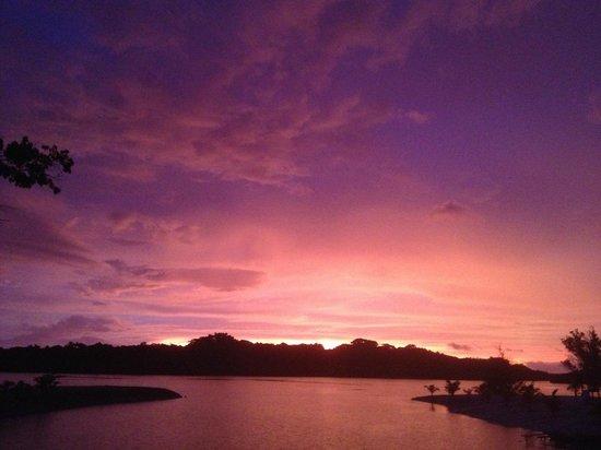 Aquana Beach Resort : Sunset