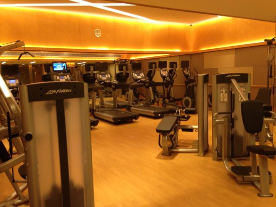 Prince (Marco Polo Hotels): decent-sized gym