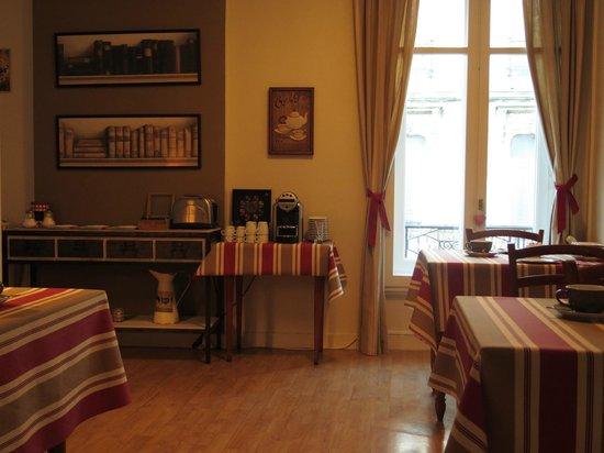 Hotel Le Bretagne : le coin café et thé!