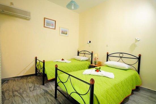 Marioly Studios : TWIN APARTMENT - SINGLE BEDS