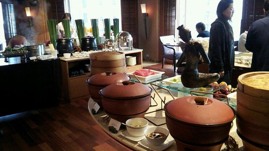 Conrad Bangkok Hotel: 朝食会場