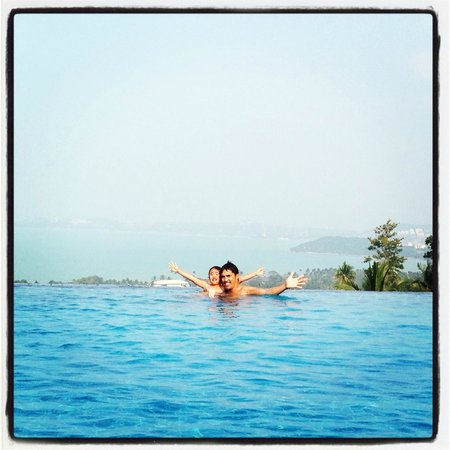 Mantra Samui Resort: Freezing pool shot with a view to die for!!!