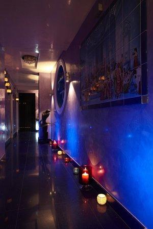 Crystal Palace Spa: SPA CORRIDOR