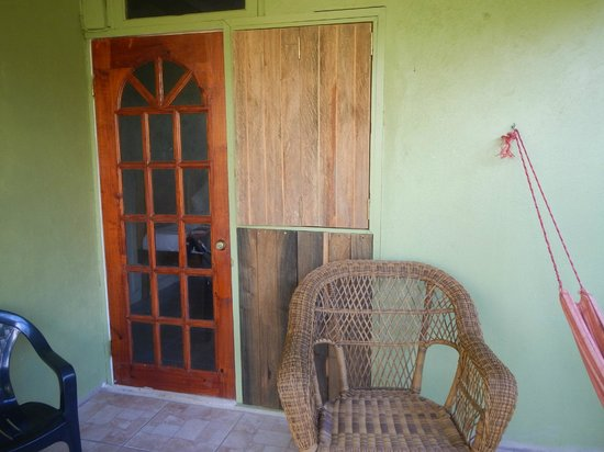 Hibiscus Valley Inn : Entrance to our rom