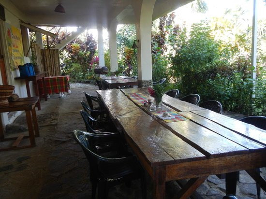 Hibiscus Valley Inn: Breakfast area