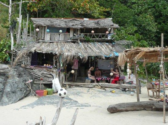 Nui Beach (Haad Nui) : funky beach bar