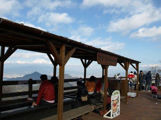 Izunokuni Panorama Park: 山頂の足湯