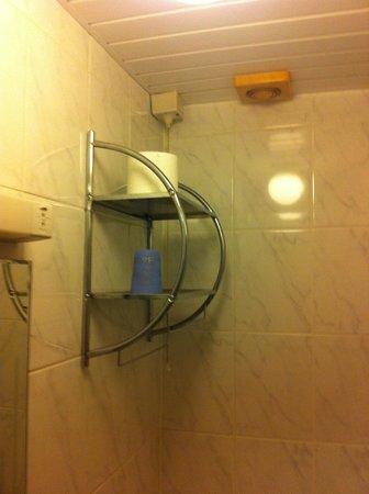 Fir Tree Lodge Hotel: railing