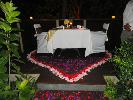 The Samaya Bali Ubud : Romantic Dinner on the Terrace in the Villa