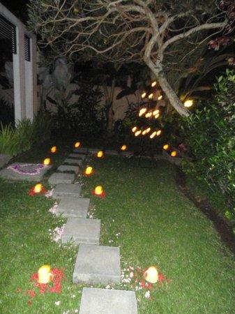 The Samaya Bali Ubud : Romantic Dinner Ambiance