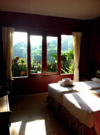 Oriental Kwai Resort: One of our bedrooms