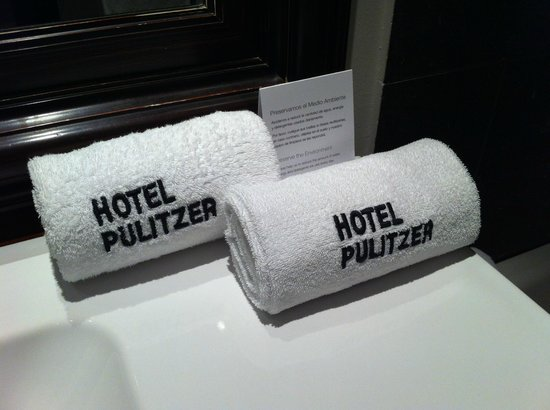 Hotel Pulitzer : room towels