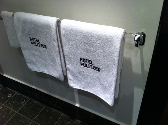 Hotel Pulitzer : bathroom towels