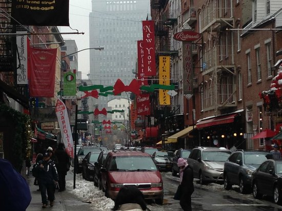 Real New York Tours: Little Italy, where we ate at Lombardi's