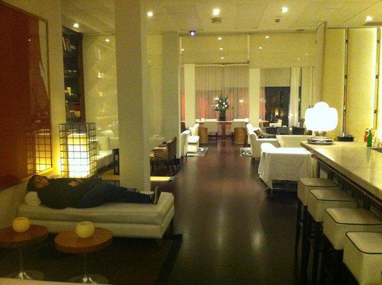 Hotel Pulitzer: hotel bar area
