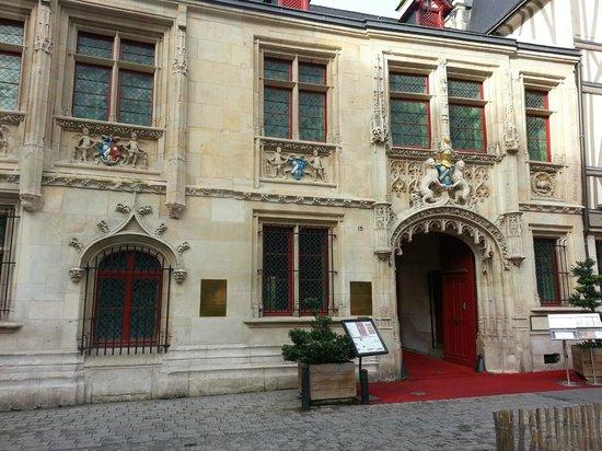 Hotel de Bourgtheroulde, Autograph Collection : Entrée de l'hôtel