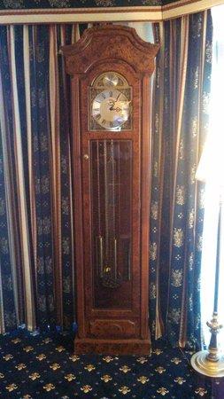 Comfort Inn & Suites Georgian: clocks coolest though ;D