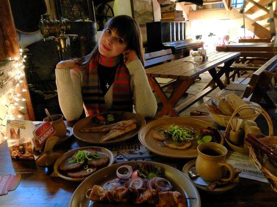 Krcma Marketa : драники с грибами, форель, шашлык, глинтвейн