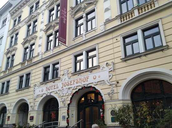 Mercure Josefshof Wien am Rathaus : Pretty building facade