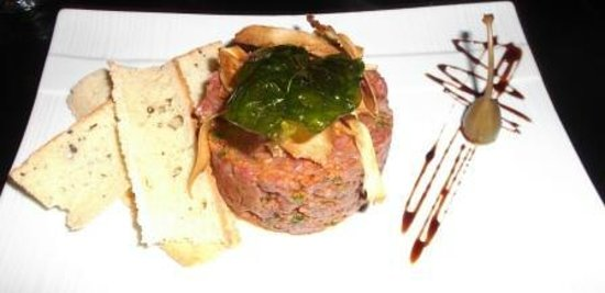 Le Saint-Sau Pub Gourmand: Steak tartar plate