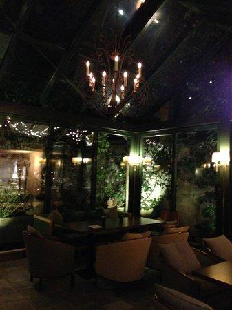 Herodion Hotel: Atrium Dining