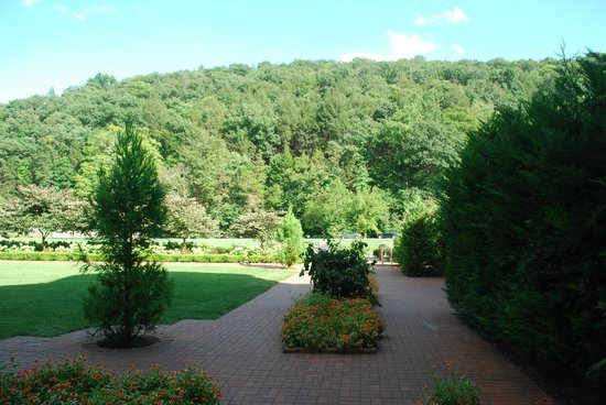 Omni Bedford Springs Resort : View of the grounds