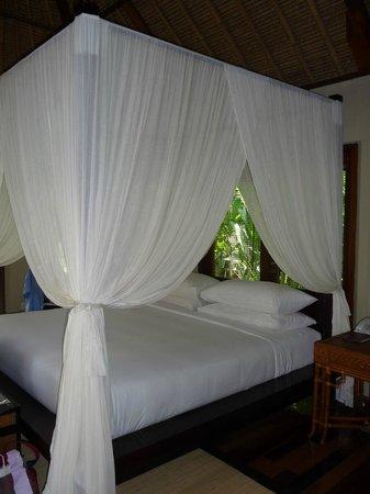 Kayumanis Nusa Dua Private Villa & Spa: Sleeping room with air condition