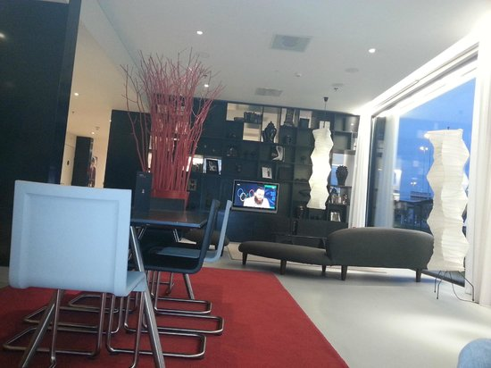 citizenM Schiphol Airport: sitting place