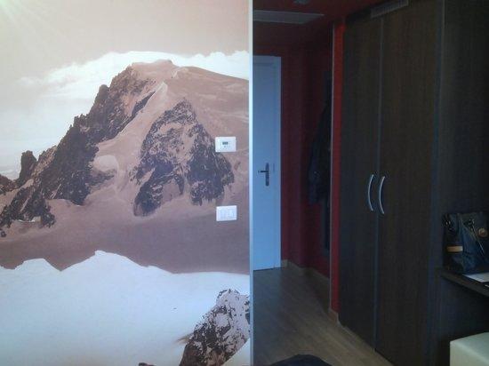 HB Aosta Hotel: scorcio della stanza