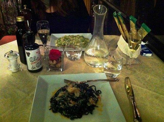 Crotto dei Platani : Linguine al nero con gamberi e granchio- Gnocchetti sardi ai broccoli