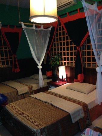 Golden Temple Villa: cosy room