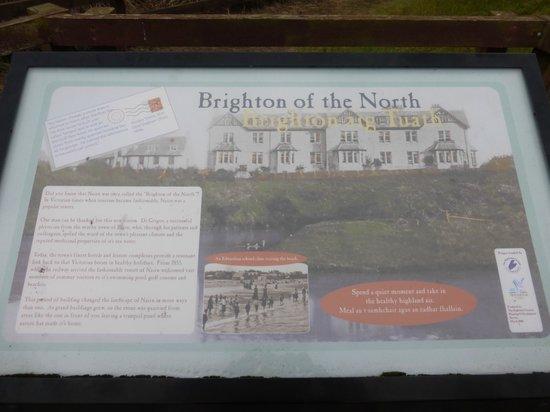 Nairn Beach : picture board on the beach